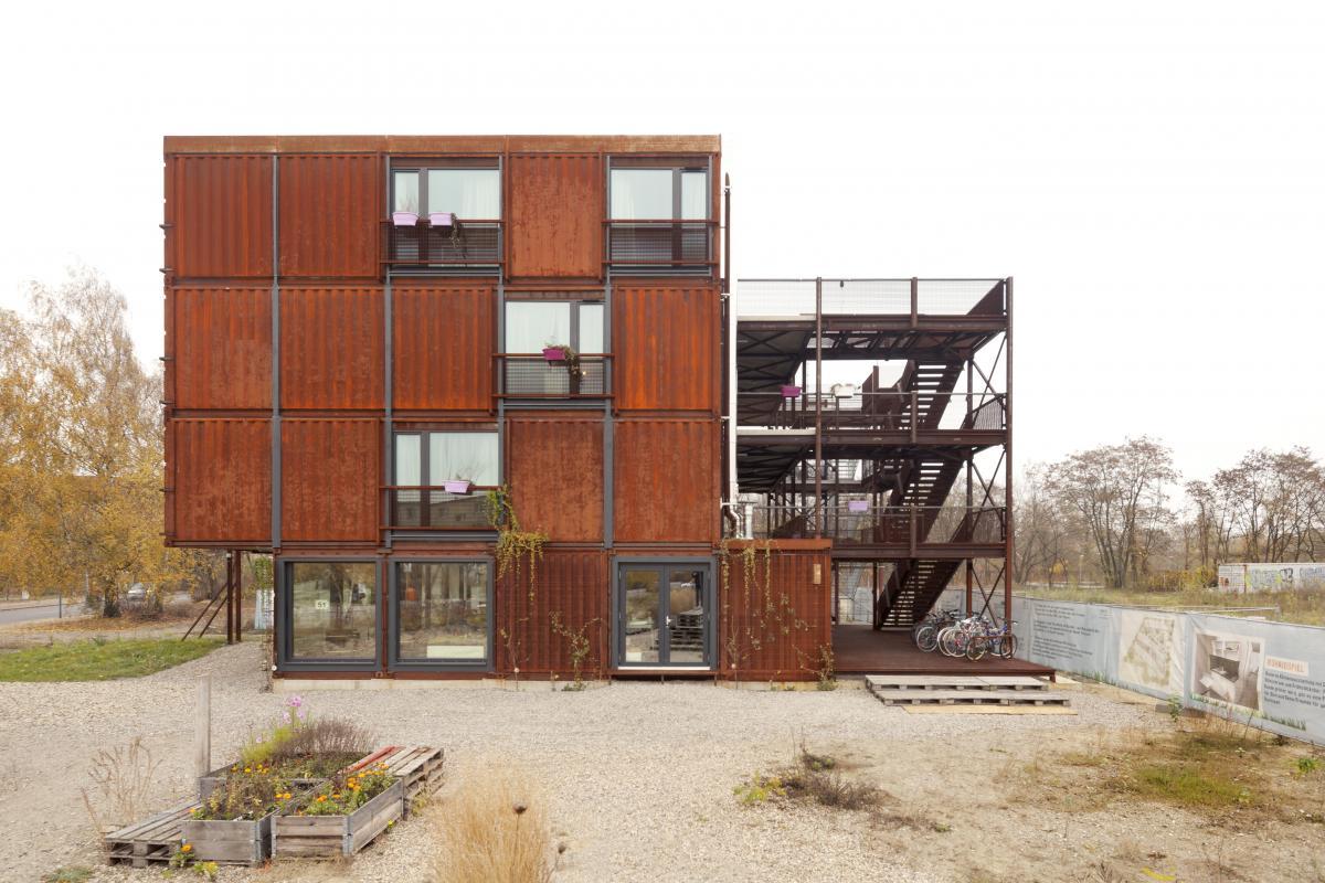Container Haus Berlin frankie johnny holzer kobler architekturen